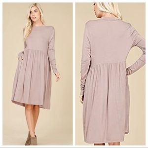 Annabelle boutique lavender jersey stretch dress